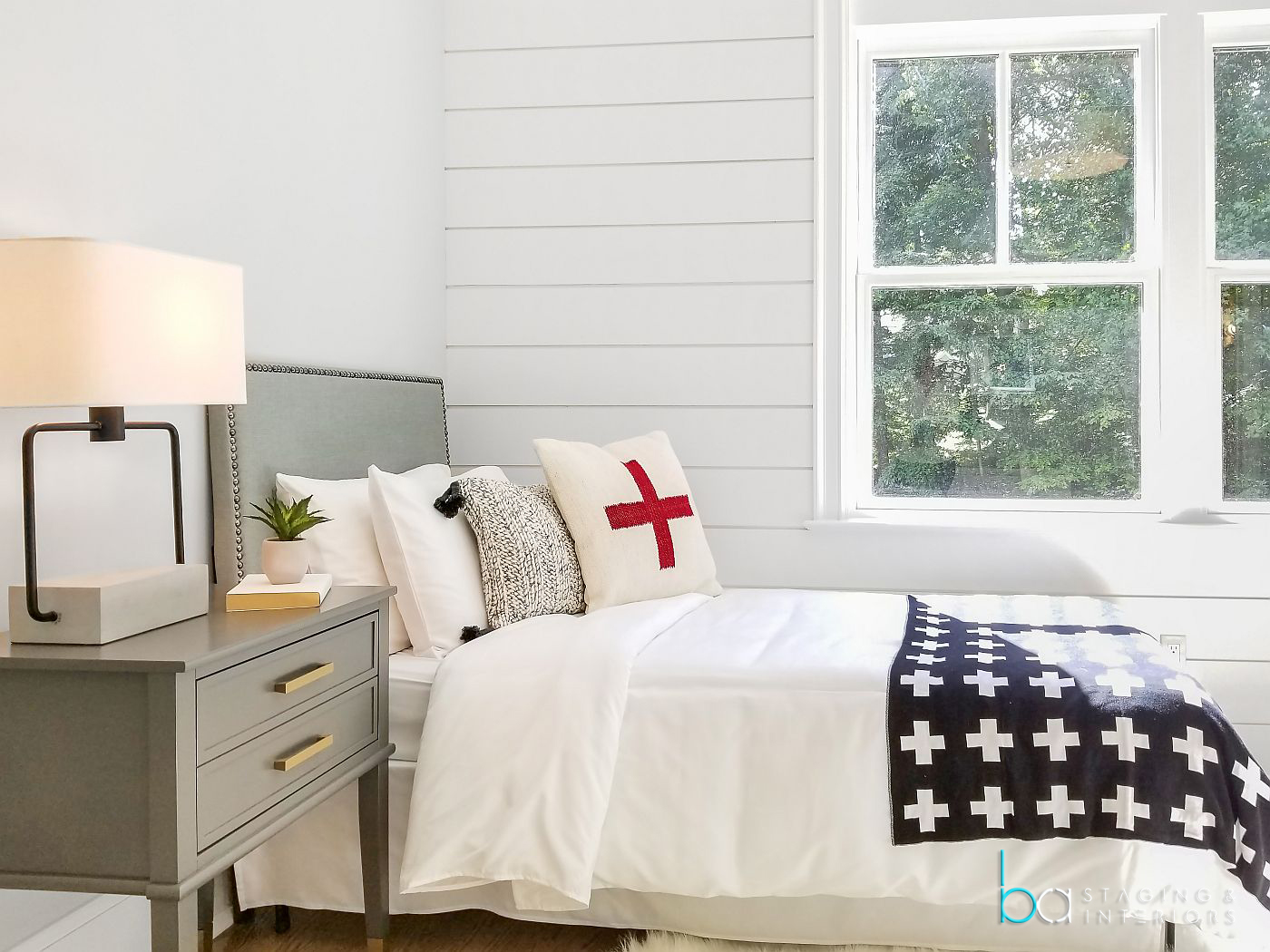 Top 40 Stylish Bedroom Sets Featured On Houzz Ba Staging